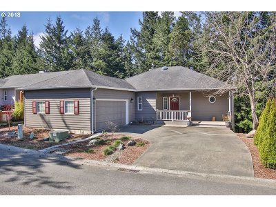 Coos Bay Single Family Home For Sale: 723 N 8th Loop