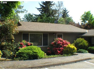 Beaverton Condo/Townhouse For Sale: 6220 SW 130th Ave #7