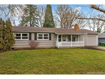 Beaverton Single Family Home For Sale: 6510 SW Imperial Dr