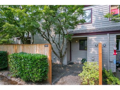 Tigard Single Family Home For Sale: 10617 SW Canterbury Ln