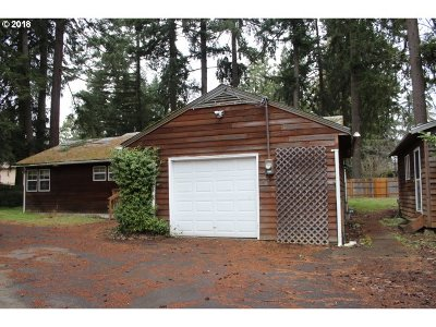 Milwaukie, Clackamas, Happy Valley Single Family Home For Sale: 7601 SE Roots Rd