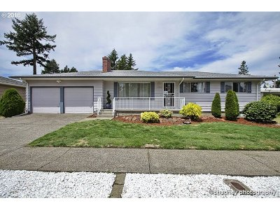 Portland OR Single Family Home For Sale: $387,500