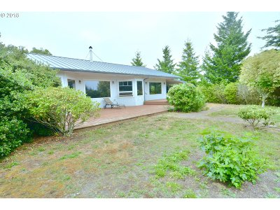 Bandon Single Family Home For Sale: 89358 Cranberry Ln
