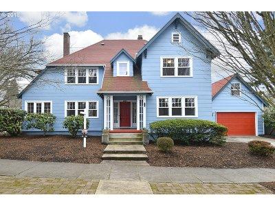 Single Family Home For Sale: 2426 SE Market St