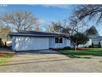 Single Family Home For Sale: 220 NE 165th Ave