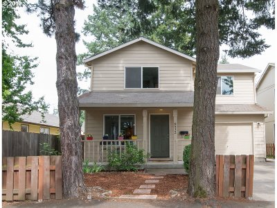 Portland Single Family Home For Sale: 6512 SE 65th Ave