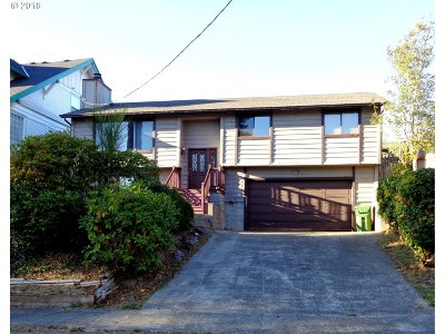 Coos Bay Single Family Home For Sale: 1380 Commercial