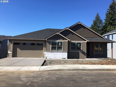 Estacada Single Family Home For Sale: 1605 NE Heaven St