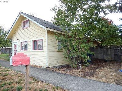 Junction City Single Family Home For Sale: 830 Juniper St