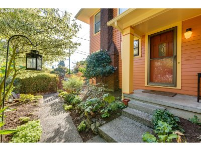 Clackamas County, Multnomah County, Washington County Multi Family Home For Sale: 2722 NE Schuyler St