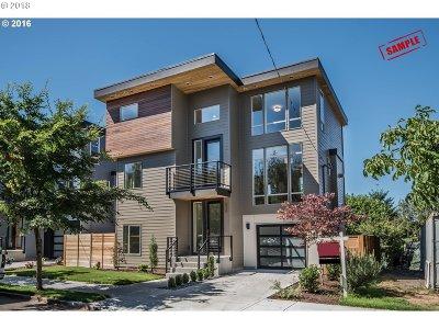 Clackamas County, Multnomah County, Washington County Single Family Home For Sale: 7906 N Burrage Ave