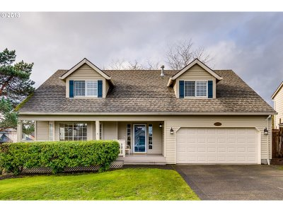 Clackamas Single Family Home For Sale: 13745 SE 126th Ave