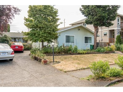 Portland Single Family Home For Sale: 5206 SE 34th Ave