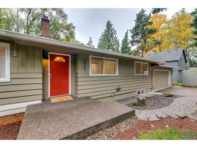 Portland Single Family Home For Sale: 5440 SW Hamilton St