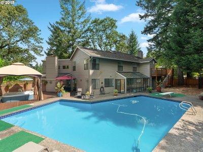 Lake Oswego OR Single Family Home For Sale: $885,000