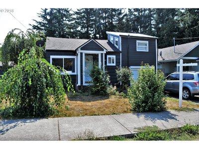 Gresham Single Family Home For Sale: 21744 SE Ash St