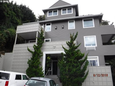 Condo/Townhouse For Sale: 1640 SW Montgomery St #D