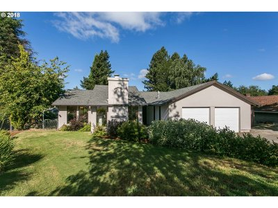 West Linn Single Family Home For Sale: 2464 Donegal Ct