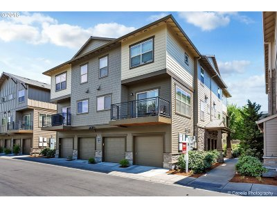 Beaverton Condo/Townhouse For Sale: 650 NW Roydon Ter
