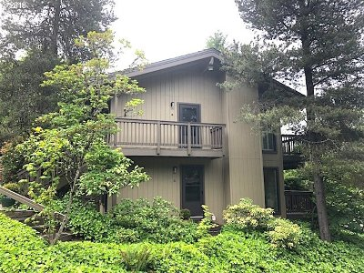 Portland Condo/Townhouse For Sale: 7700 SW Barnes Rd #C