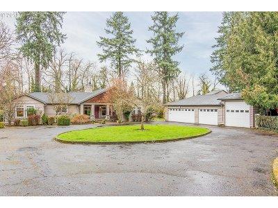 Clackamas County Single Family Home For Sale: 14407 Clackamas River Dr