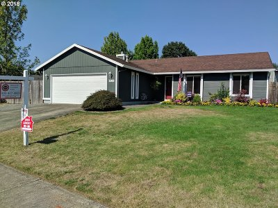 Troutdale Single Family Home For Sale: 2303 SE Kibling Ave