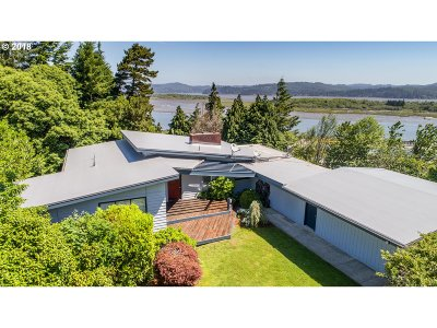 Coos Bay Single Family Home For Sale: 526 Greenwood