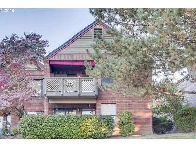 Tigard Condo/Townhouse For Sale: 15432 SW 114th Ct #83