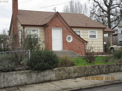 Douglas County Single Family Home For Sale: 926 SE Rice Ave