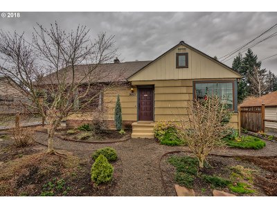 Milwaukie, Clackamas, Happy Valley Single Family Home For Sale: 9865 SE 42nd Ave