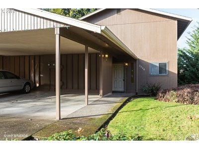 Eugene Single Family Home For Sale: 2220 Ridgeway Dr