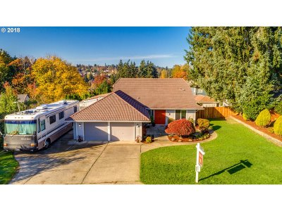 Milwaukie OR Single Family Home For Sale: $374,900