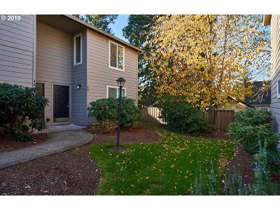 Tigard Condo/Townhouse For Sale: 10900 SW 76th Pl #49