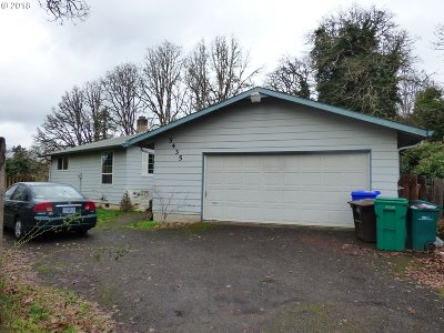 Milwaukie, Gladstone Single Family Home For Sale: 5435 SE Clayson Ave