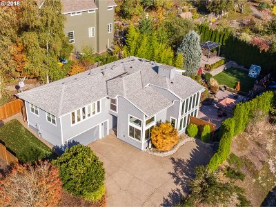 Portland Single Family Home For Sale: 8512 SW 62nd Ave