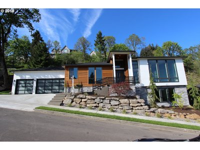 Washougal Single Family Home For Sale: 627 W S St