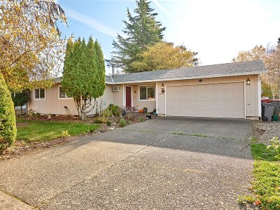 McMinnville Single Family Home For Sale: 1764 SW Almond Ct