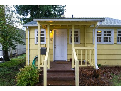 Portland Single Family Home For Sale: 6722 SE 64th Ave