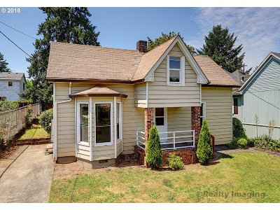 Portland Single Family Home For Sale: 8315 SE 21st Ave