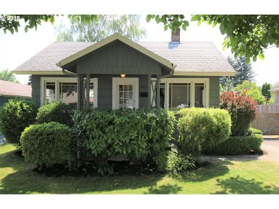 Single Family Home For Sale: 9416 N Alma Ave