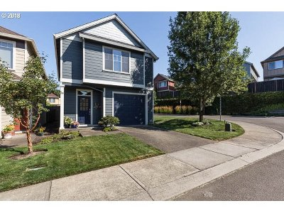 Milwaukie Condo/Townhouse For Sale: 17508 SE Reserve Loop
