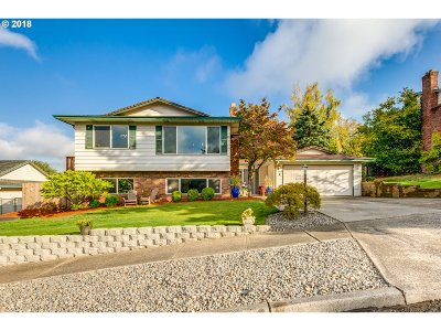 Gresham Single Family Home For Sale: 1695 SW 27th St