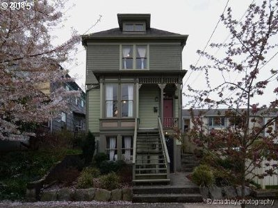 Single Family Home For Sale: 2020 SE Yamhill St