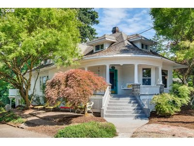 Single Family Home For Sale: 3212 SE Park Ave