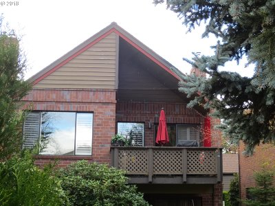 Tigard Condo/Townhouse For Sale: 15605 SW 114th Ct #21