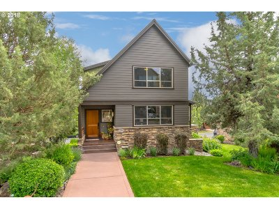 Redmond Single Family Home For Sale: 284 Volunteer Park Ln