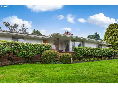 Gresham Single Family Home For Sale: 1000 NW 4th St