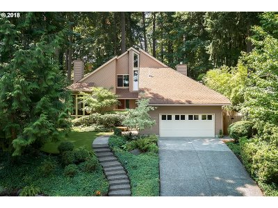 West Linn Single Family Home For Sale: 22651 Oregon City Loop