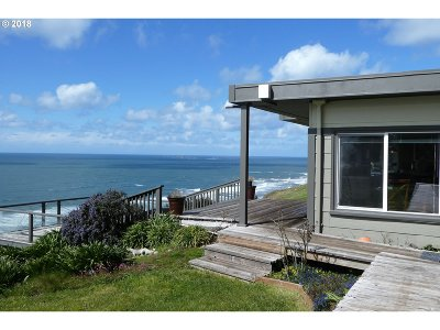 Gold Beach OR Single Family Home For Sale: $895,000