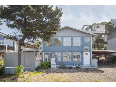 Lincoln City Single Family Home For Sale: 5160 NW Keel Ave